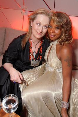 http://images.fanpop.com/images/image_uploads/07-Oscars--Mer---Mary-J--Blige-meryl-streep-154941_266_400.jpg