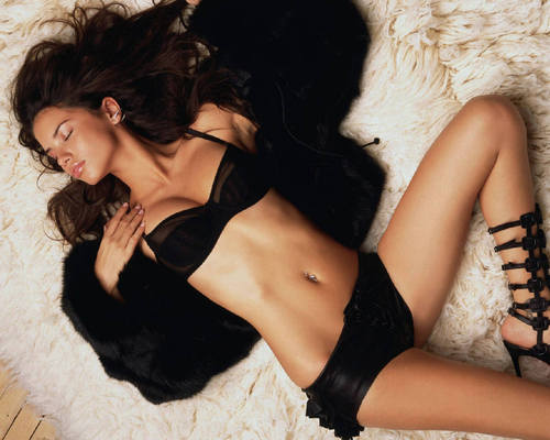 ऐड्रीयाना लीमा वॉलपेपर called Adriana