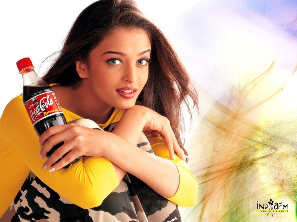 http://images.fanpop.com/images/image_uploads/Aishwarya-Rai-aishwarya-rai-230454_1024_768.jpg