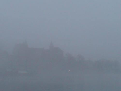 Akershus kastilyo in fog