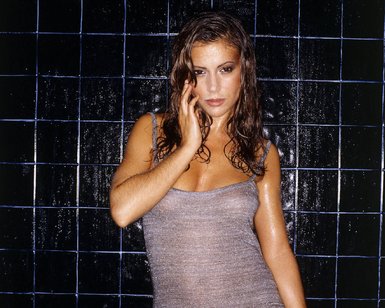 alyssa milano - alyssa milano wallpaper (182094) - fanpop