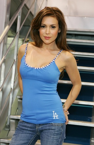 Alyssa Milano wallpaper titled Alyssa magic convention day