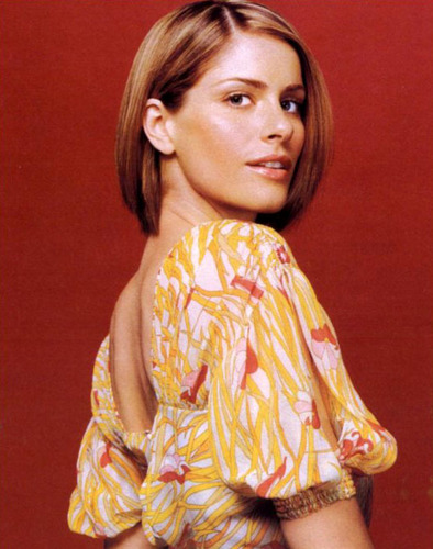 Amanda Peet wallpaper called Yariv Milchan photoshoot