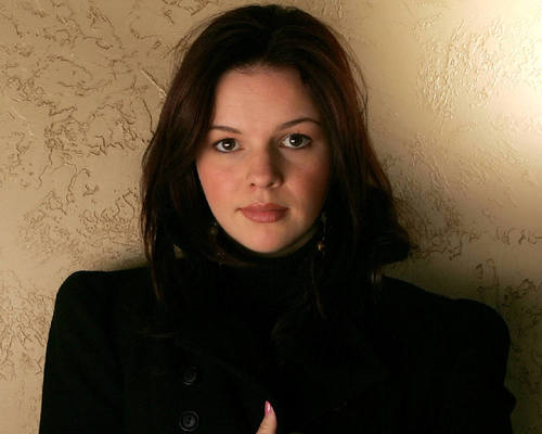 Amber Tamblyn kertas dinding entitled Amber Tamblyn