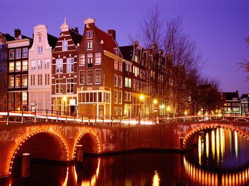 Amsterdam سے طرف کی night