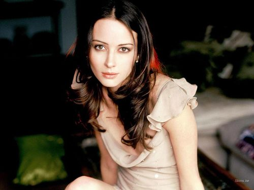 Amy Acker achtergrond titled Amy Acker