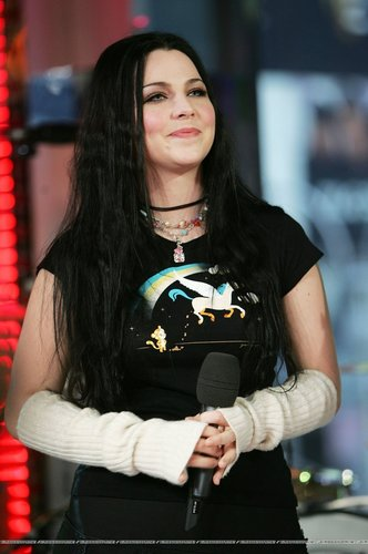 Amy Lee on MTVs TRL