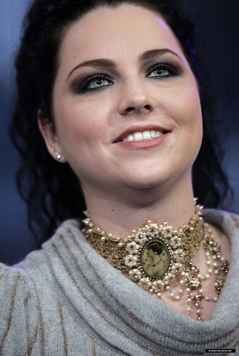 Amy Lee on TRL