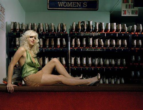 Anna Faris in Mean Mag