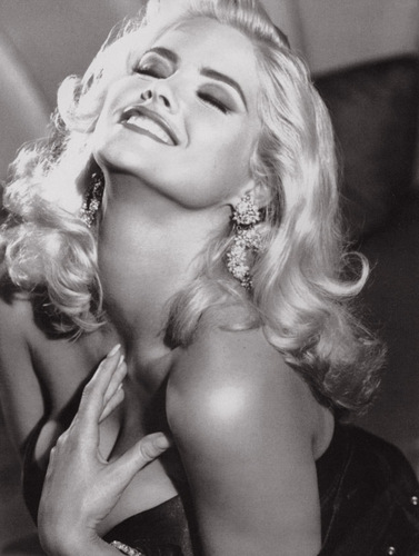 Guess wallpaper entitled Anna Nicole Smith