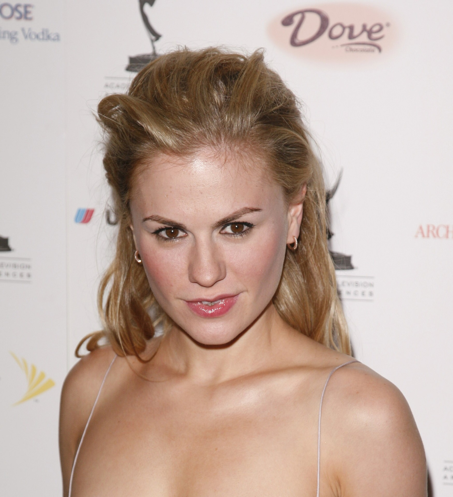 Personality ... MBTI Enneagram Anna Paquin ... loading picture