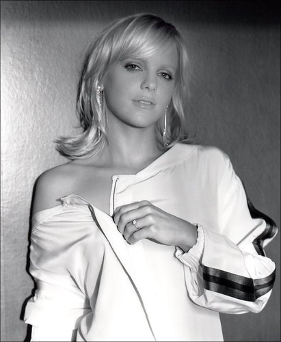 Anna Faris wallpaper titled Anna in Interview Mag