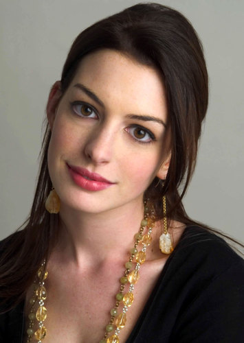 Anne Hathaway wallpaper entitled Anne Hathaway