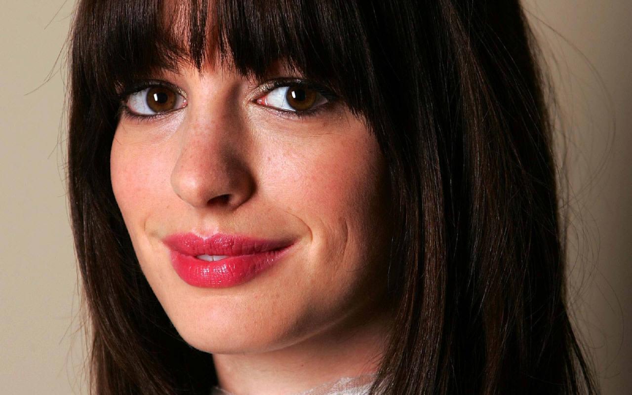 Anne Hathaway world fasion