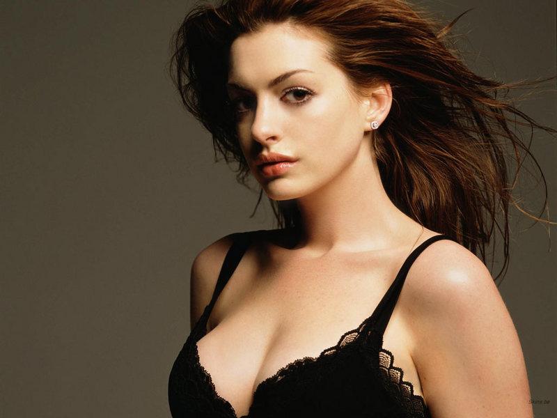 anne hathaway pics. Anne Hathaway - Anne Hathaway