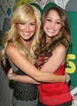 Ashley & Miley - ashley-tisdale-and-miley-cyrus photo