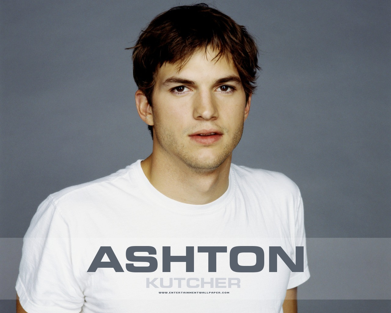 Ashton kutcher ashton kutcher wallpaper 645111 fanpop for The ashton