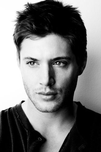 B&W - jensen-ackles Photo