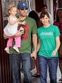 Ben, Jen and Violet - ben-affleck-and-jennifer-garner photo