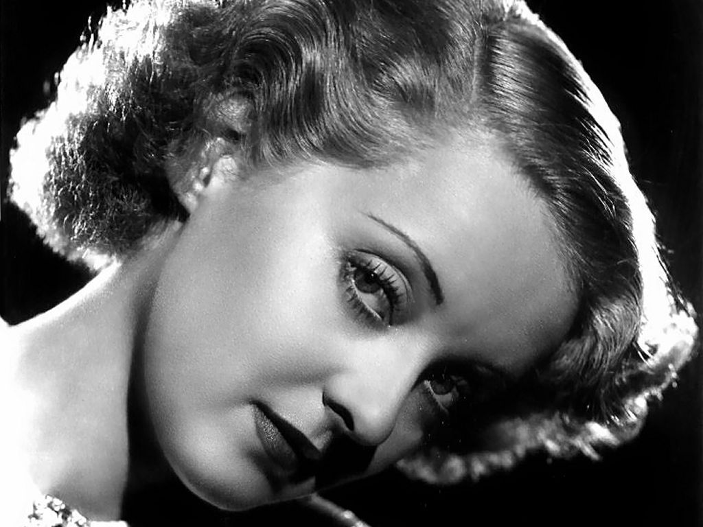 Bette Davis - Wallpaper Hot