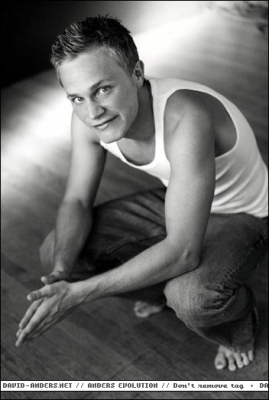 http://images.fanpop.com/images/image_uploads/Black-and-white-photoshoot-david-anders-412774_269_400.jpg