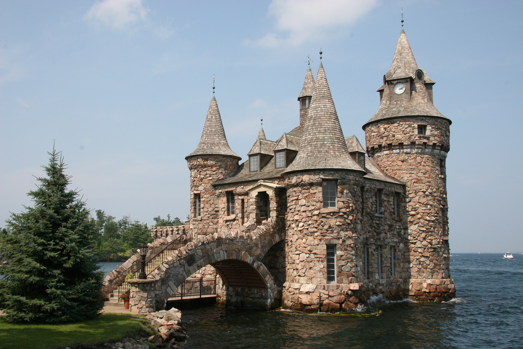 Boldt Castle Photo on castle home plans medieval