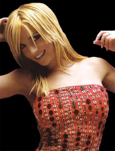 Britney<33