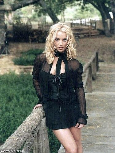 Britney Spears karatasi la kupamba ukuta entitled Britney