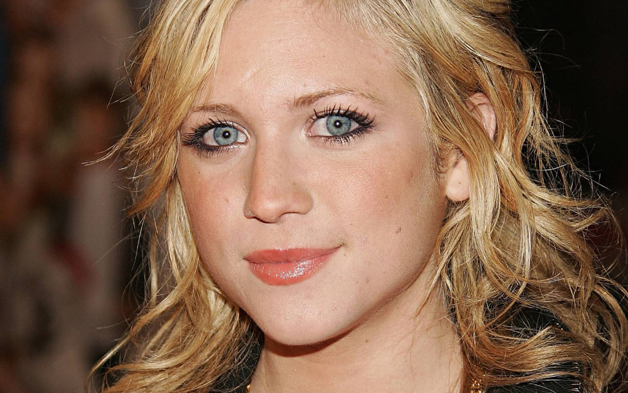 Brittany Snow - Picture