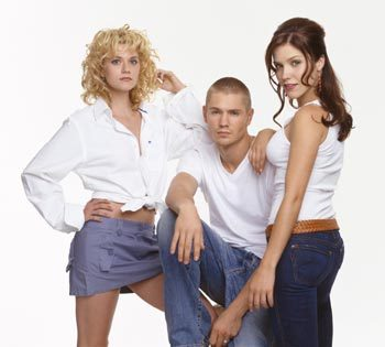 Leyton vs. Brucas wallpaper titled Brooke, Peyton and Lucas