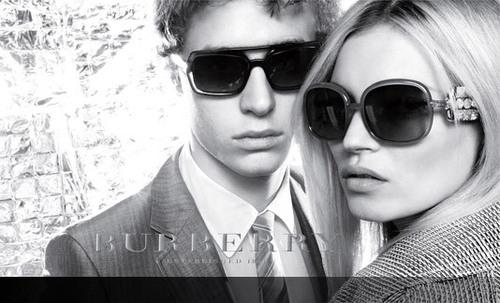 chổ lồi ở cây, burberry Sunglasses
