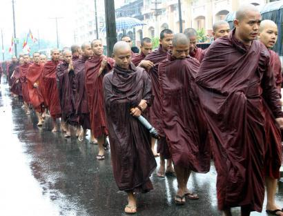 Burmese monks protesting