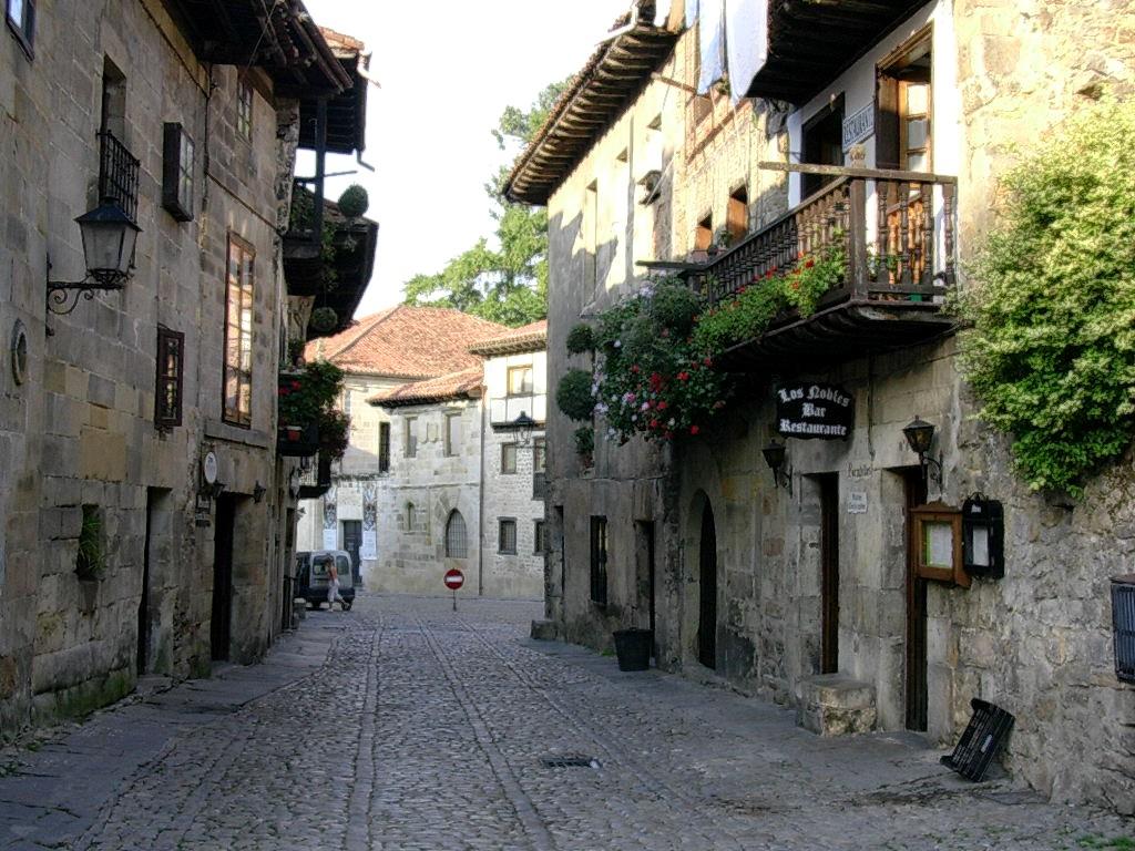Cantabria spain europe photo 670714 fanpop for Cantabria homes