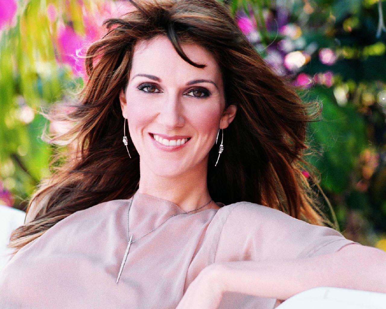 http://images.fanpop.com/images/image_uploads/Celine-Dion-celine-dion-131605_1280_1024.jpg