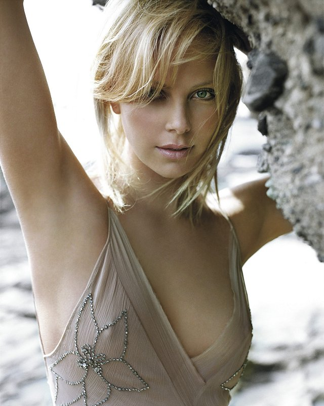 pic of charlize theron