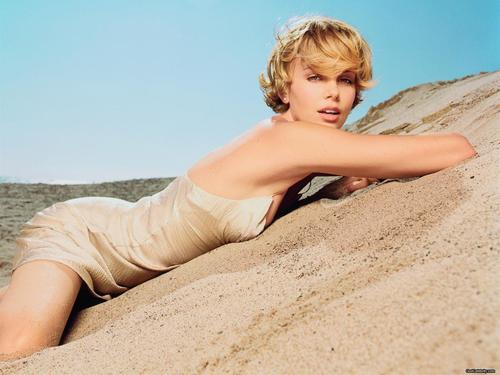 Charlize Theron - charlize-theron Wallpaper
