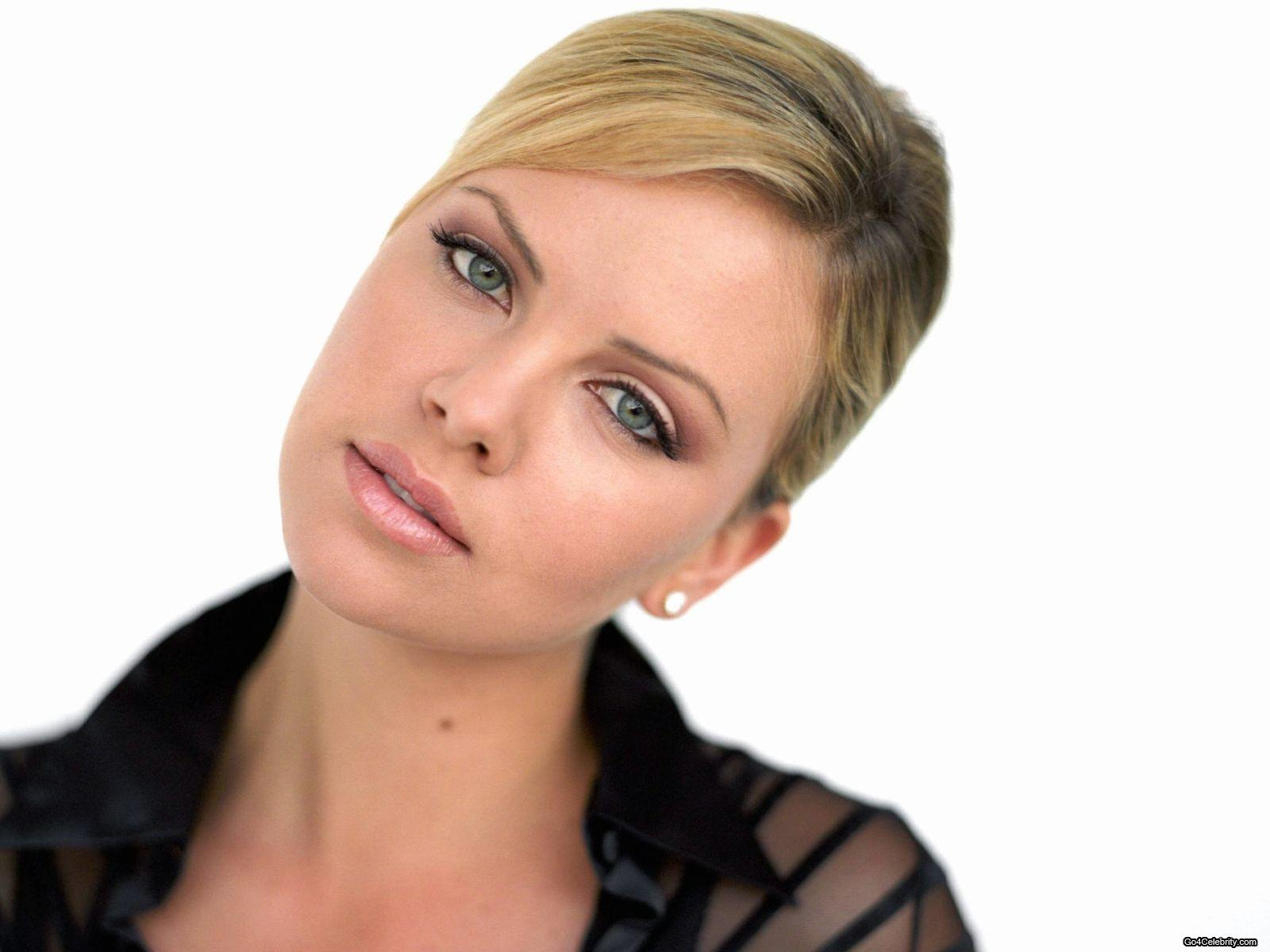 Charlize Theron - Charlize Theron Wallpaper (83488) - Fanpop Charlize Theron