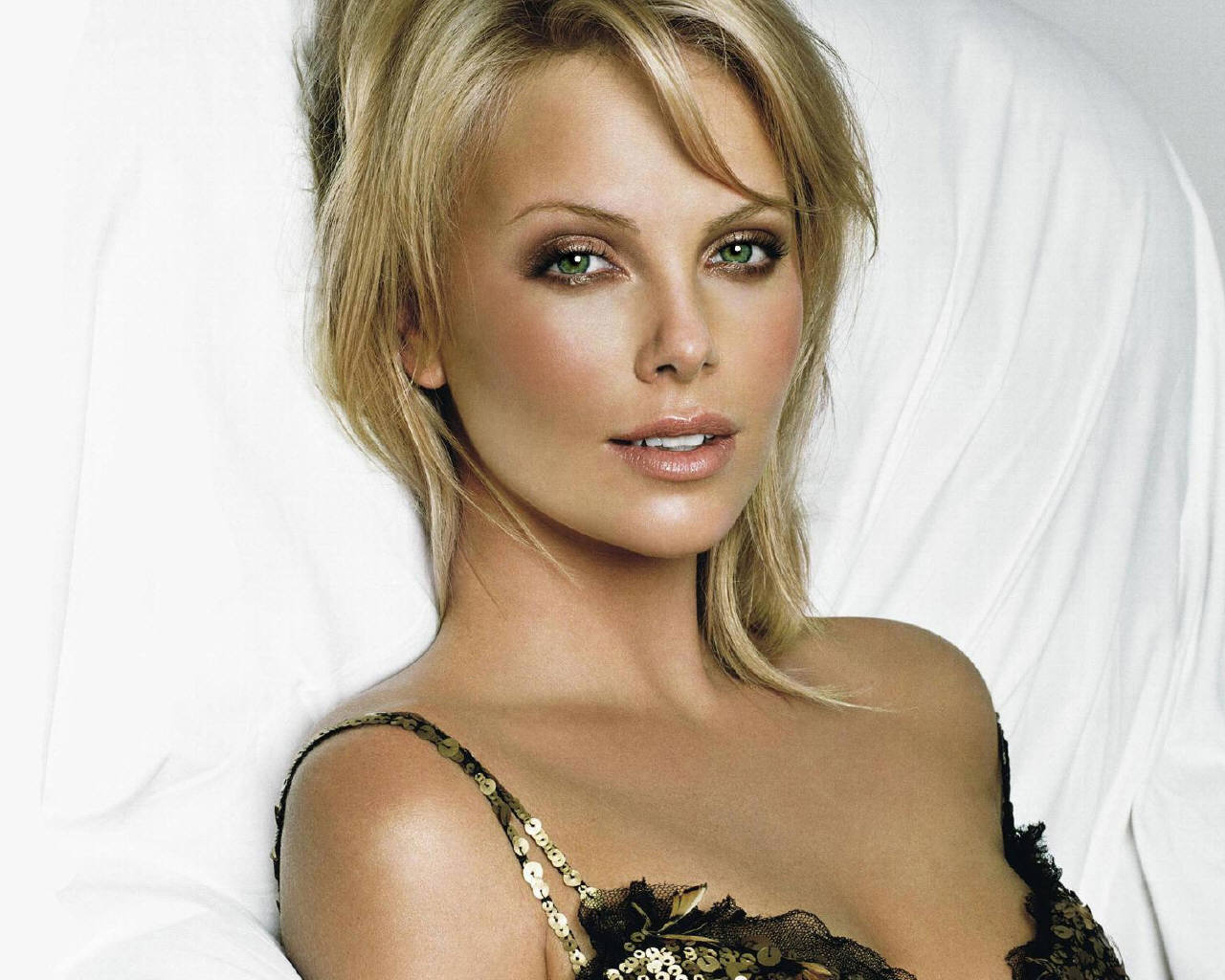 Charlize Theron - Charlize Theron Wallpaper (84169) - Fanpop Charlize Theron