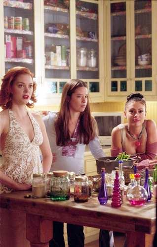 Сезон 5 Charmed-charmed-514357_318_500