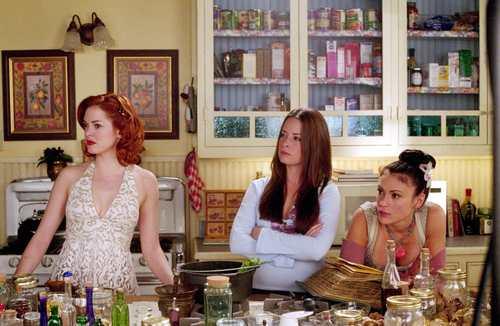 Сезон 5 Charmed-charmed-514359_500_326