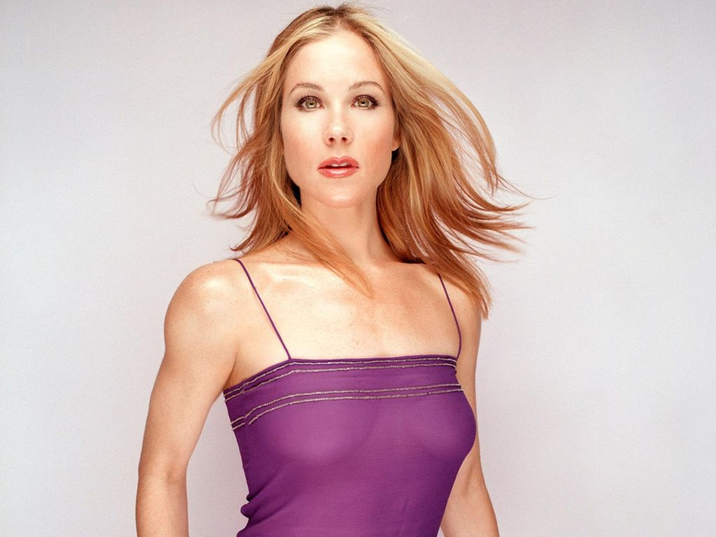 Christina Applegate Hot