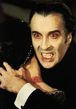 Christopher-Lee-vampires-345869_290_414