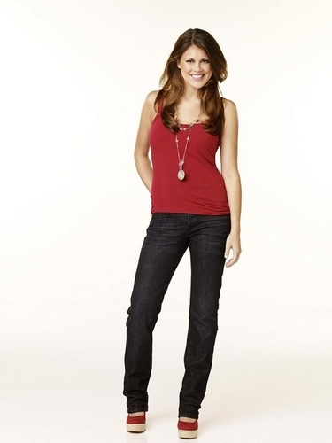 Claire (Lindsey Shaw)