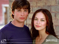 Clark &amp; Lana - smallville wallpaper