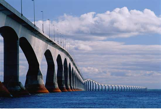 Confederation Bridge - PEI - Canada 550x371
