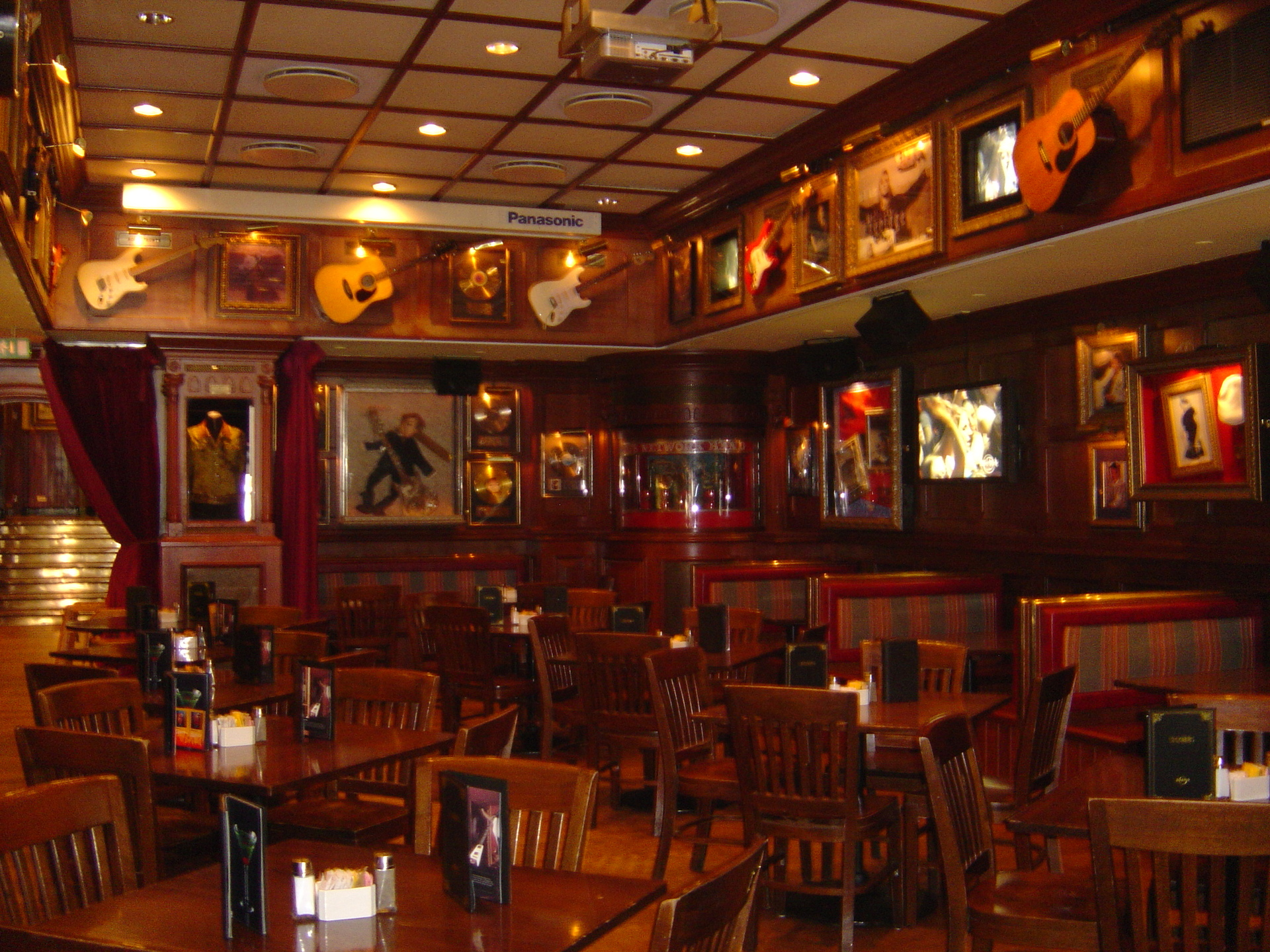 Hard Rock Cafe Restaurant