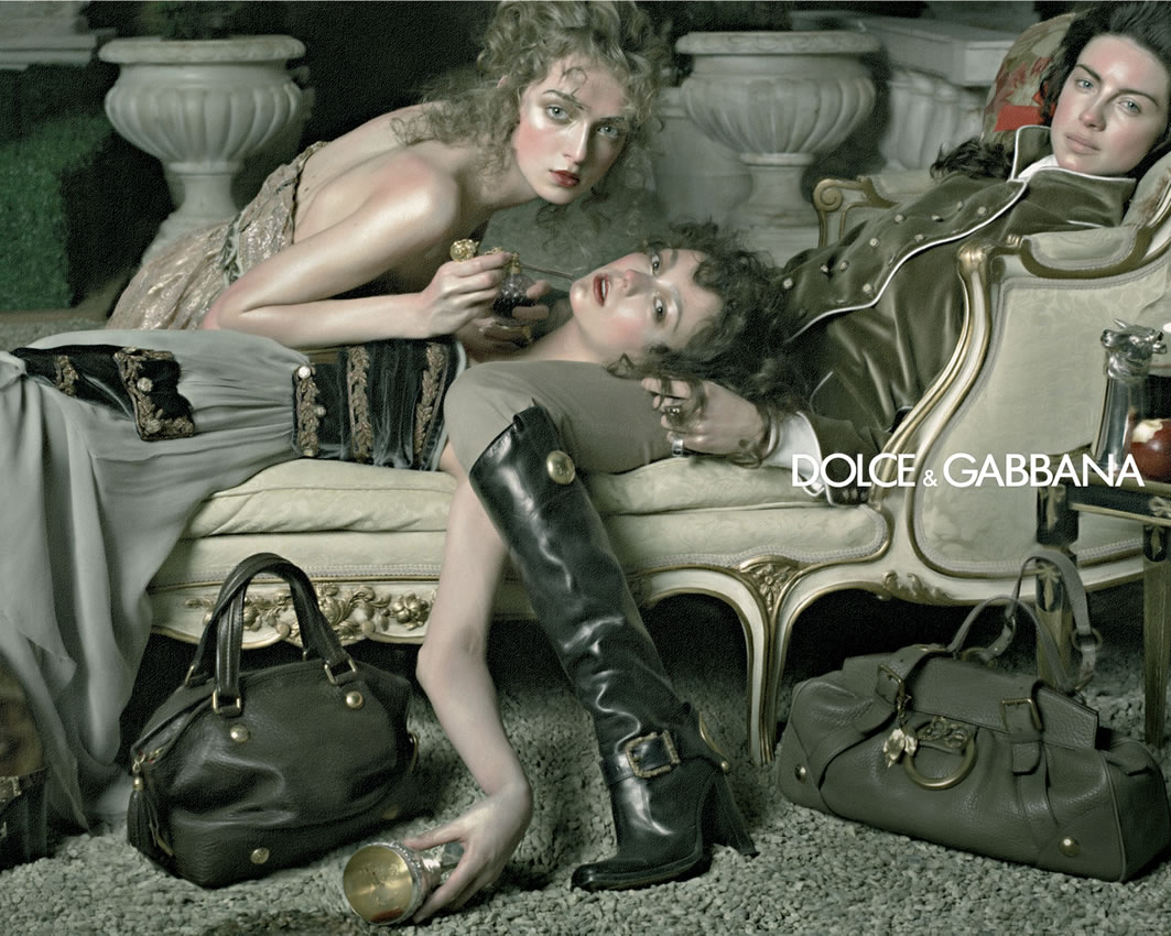 dolce gabbana unethical advertising Dolce & gabbana may have thought it was being trendy, or dare i say fashionable, but we're not so convinced drones swaying around drunkenly while awkwardly hoisting designer handbags was the.