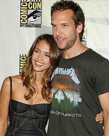 Dane Cook and Jessica Alba