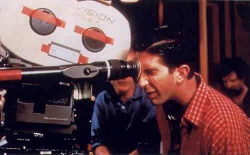 Ross Geller Hintergrund titled David Shwimmer