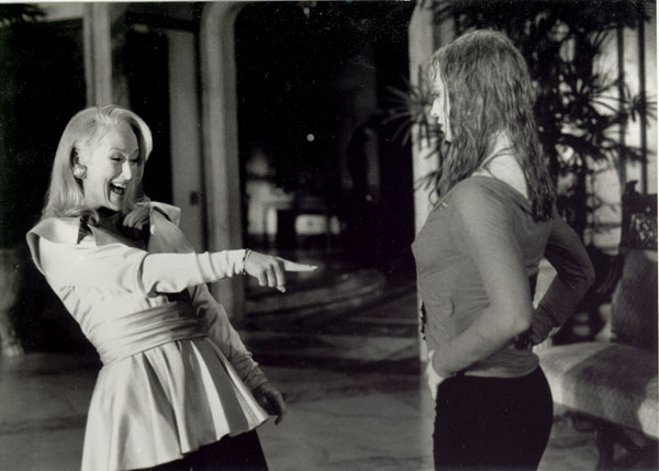 http://images.fanpop.com/images/image_uploads/Death-Becomes-Her-meryl-streep-154706_600_429.jpg